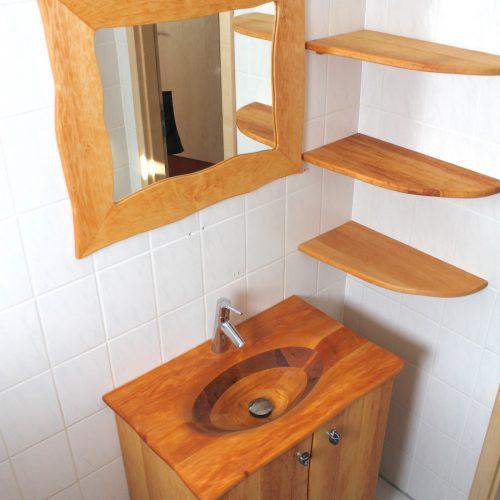 Waschbecken mit Spiegel A